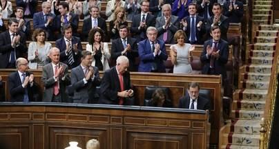 Rajoy supera la investidura con 68 abstenciones