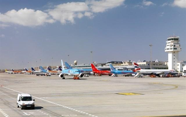 Los aeropuertos de Canarias moverán casi 61.000 pasajeros el día de 'Nochebuena'