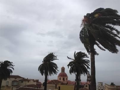 Vientos de 140 km/h durante la madrugada en Canarias