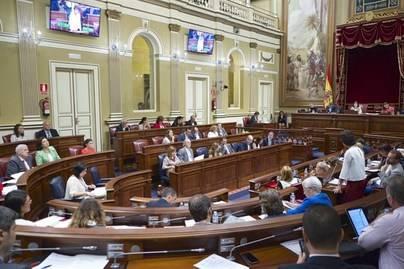 El Parlamento aprueba que el nuevo sistema electoral se pacte en Canarias
