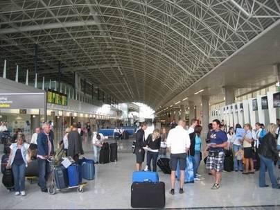 Los aeropuertos canarios registran 3,2 millones de pasajeros en mayo