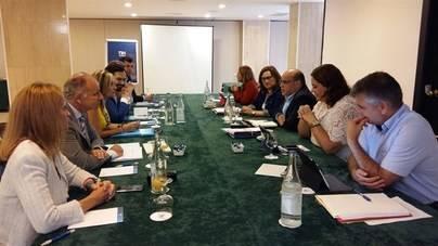 CC y PP retoman este viernes las negociaciones para formar Gobierno