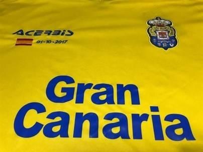 El Cabildo de Gran Canaria analizará si hay 'incumplimiento' del convenio con la UD Las Palmas por la bandera de España