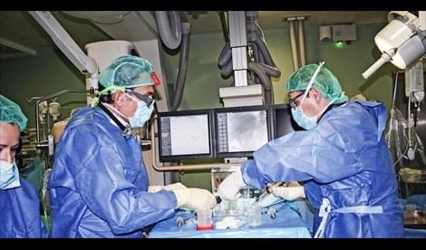 El Hospital de La Candelaria, pionero en Canarias en implantar una nueva técnica sobre tumores hepáticos extendidos