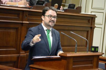Antona: Clavijo acumula su 'tercer suspenso' y le pide que deje el poder 'con dignidad'