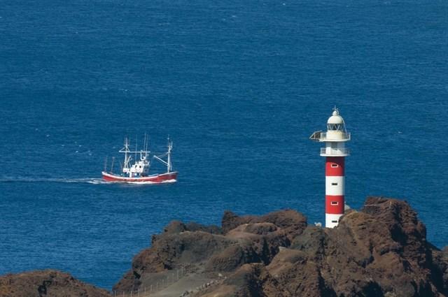 Fallece un pescador tras ser rescatado en Punta de Teno