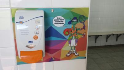 Fuerteventura instala dispensadores de crema solar en zonas deportivas