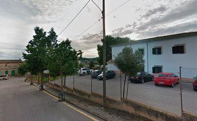 Sanción a tres guardias civiles por poner a todo volúmen el 'Cara al Sol' en el cuartel de Vilafranca