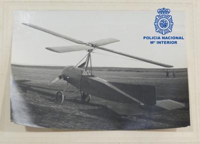 La Policía Nacional recupera la documentación del autogiro de Juan de la Cierva y Codorníu desaparecida desde 1998