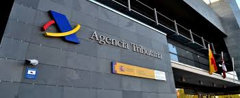 La AEAT recupera la atención presencial con cita previa en oficinas en fase 2, pero no para la Renta