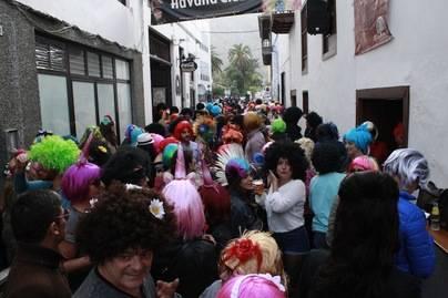 La Fiesta de la Peluca toma las calles de Santa Cruz de La Palma