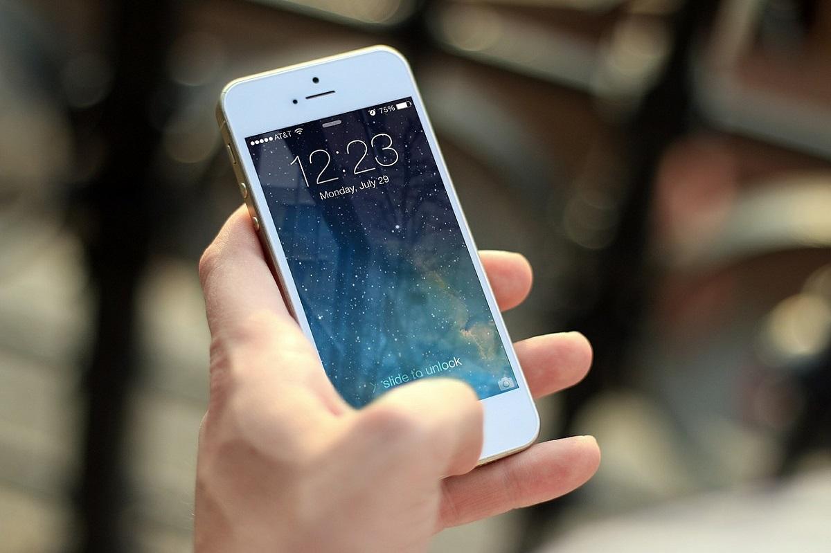 Facua exige a la DGT exige un teléfono gratuito para reclamaciones de multas