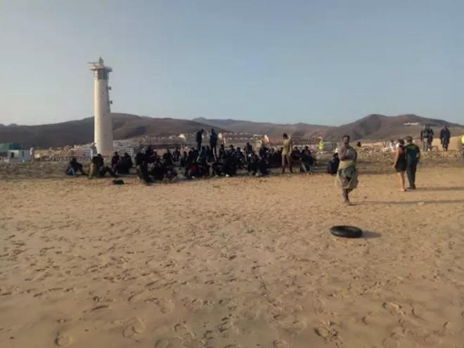Interceptadas 61 personas de una embarcación irregular llegada a Fuerteventura