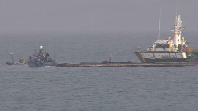 Expectación por el rescate del narcosubmarino en Galicia