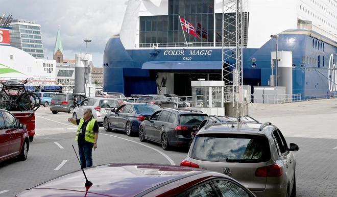 Noruega reimpone diez días de cuarentena a los viajeros procedentes de España