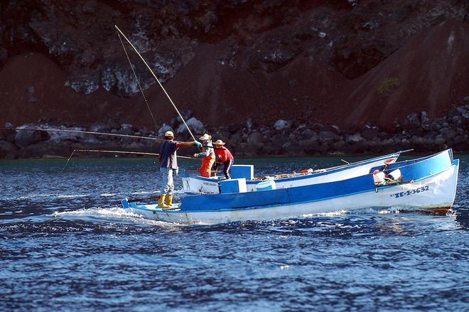 El Hierro invierte 120.000 euros en el sector pesquero como eje económico estratégico