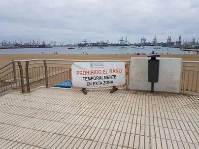Cerrada la playa de Las Alcaravaneras por niveles altos en los indicadores de bacterias