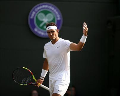 Nadal avanza imparable a otro clásico contra Federer