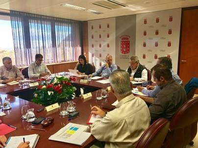 Cabildo y ayuntamientos coordinan la ejecución del Fdcan en La Gomera