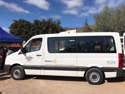 El Rotary Club tinerfeño dona un vehículo adaptado a la Asociación San Juan