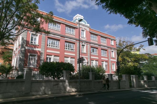 Canarias suma 209 positivos en las últimas 24 horas, 173 de ellos en Tenerife, y un nuevo fallecido