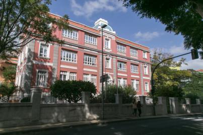 Canarias cierra el lunes con dos positivos, un fallecido y 44 altas