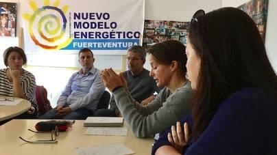 Lanzarote y Fuerteventura fijan su unión contra las torretas