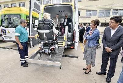 El Cabildo adquiere 10 vehículos para el transporte de personas con movilidad reducida