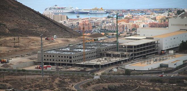 El Hospital del Sur recibe otros 600.000 euros para seguir con las obras
