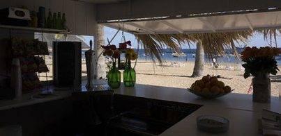 Kiosko El Caracol en la playa de Las Teresitas
