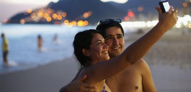Compartir muchos 'selfies' es síntoma de psicópatas en potencia