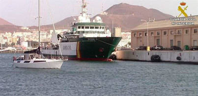 Detenidos por transportar 725 kilos de cocaína en un velero