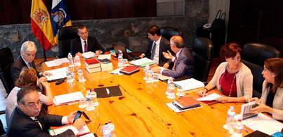 Canarias elimina doce entes y empresas públicas desde 2012