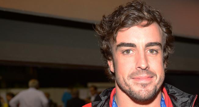 Fernando Alonso viaja a Malasia