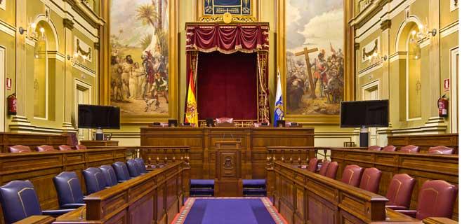 El Parlamento de Canarias se constituye este martes