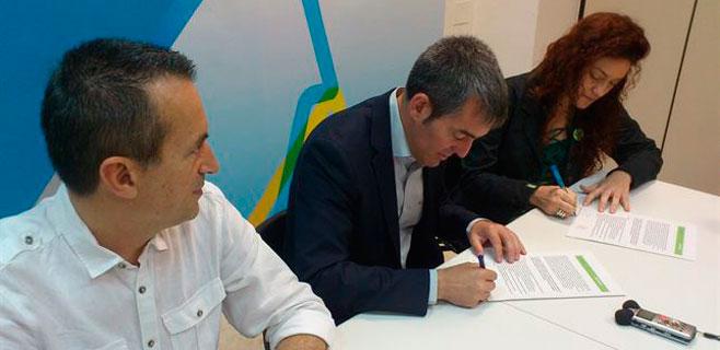 Clavijo firma para que Canarias sea 100% renovable antes de 2050