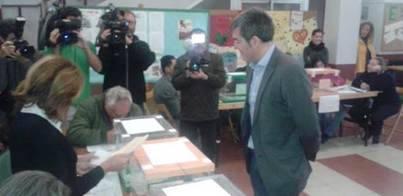 Clavijo anima a votar porque hay una tarea 'difícil' para gestionar Canarias