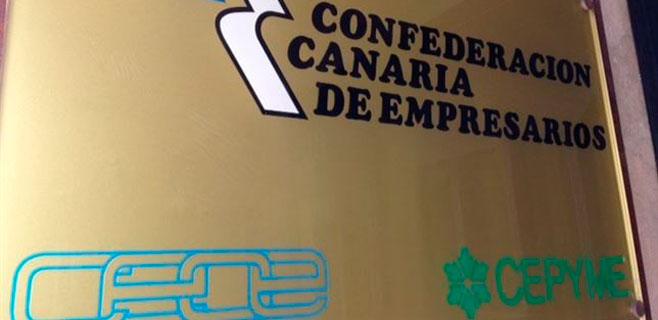 Los empresarios creen que Canarias da