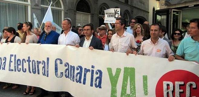 Manifestación frente al Parlamento para exigir la reforma del sistema electoral