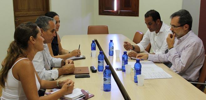 Morales se reúne con los tres diputados de CC