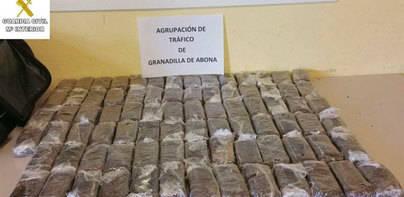 Un arcén escondía 20 kilos de hachís en Guargacho