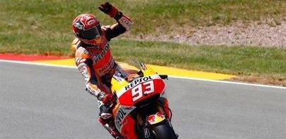 Márquez vuelve a ganar y Rossi no perdona un podio