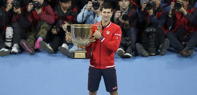 Djokovic arrolla a Nadal en Pekín
