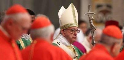 El Papa pide perdón por los 'escándalos' en el Vaticano