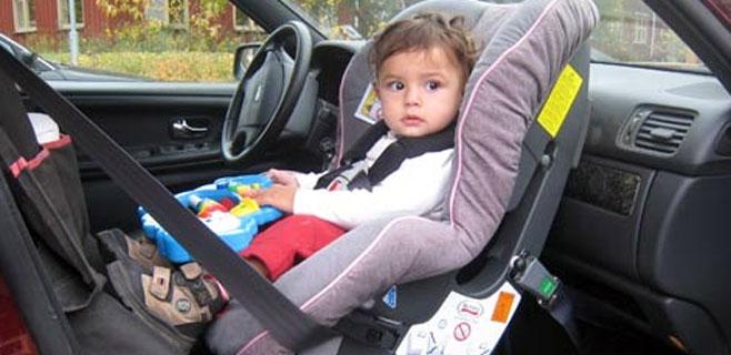 Los niños ya no pueden viajar en el asiento delantero