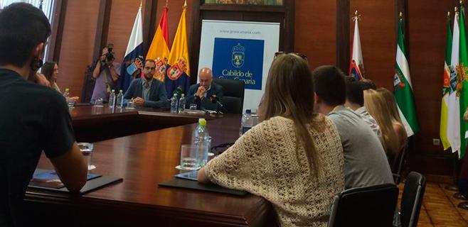 Jóvenes europeos participan en un programa para redactar proyectos
