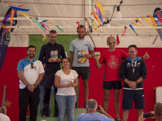 160 corredores toman la salida en la V carrera de montaña 'Villa de Hermigua'